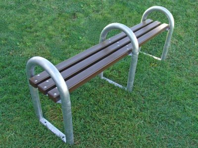 DST 8 District 4 person bench with recycled plastic slats