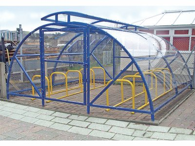 ALP848-4100 RD TC20 Alpine cycle compound with raised roof and glazed door, with cycle racks