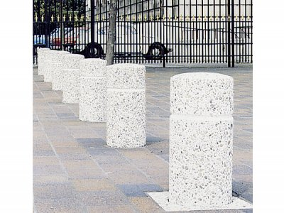 BAN  Banbury cast concrete bollards, ballidon exposed aggregate finish