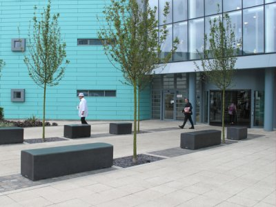 BLR200 SO 2M solo unit, BLR100 SO 1M solo unit  and BLS6 cube Blyth concrete benches