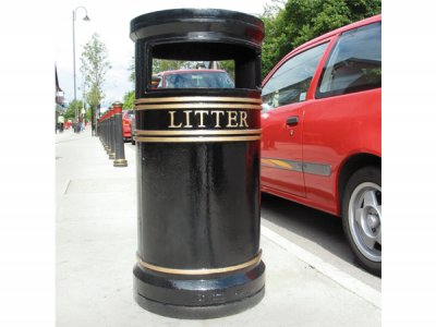 COV803 LR Covent Garden Large Circular cast iron litter bin with ashtray and stubber