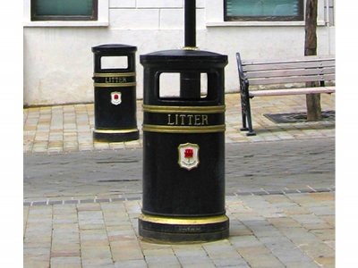 COV803 Covent Garden Large Circular Cast Iron Litter Bin with Plaque, Gibraltar