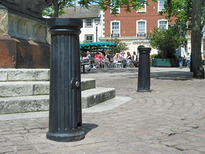 DOR520ME Doric Major Service bollards