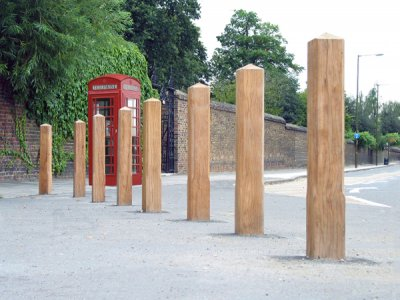 ESG150/200 Epping hardwood timber bollards