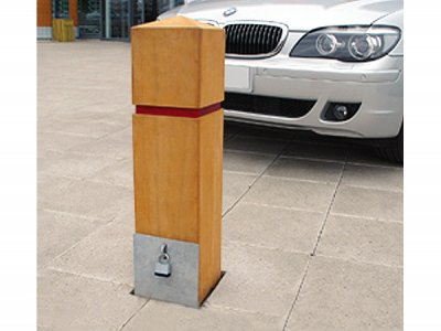 ESG225/750R Epping removable timber bollard with goove and tape