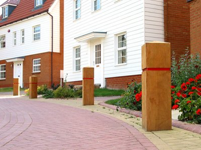 ESG250/900 Epping hardwood timber bollards with groove & tape