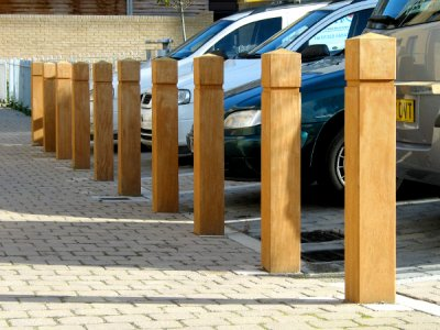 ESP200/1500 Epping timber bollards with groove