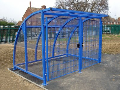 FIN800 PPC F DOORS Fin powder coated steel cycle shelter with mesh doors