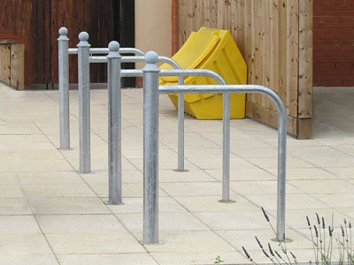 LTB623 Linx cycle stand with curved rail and Trafford cap