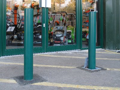 TPR 700 Round fixed and Telescopic bollards