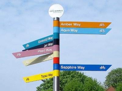 Zenith Stainless Fingerpost, Slanted Fingers, FFT1 Tablet Finial, Cycle Aylesbury Scheme