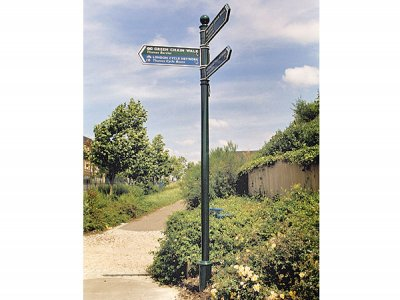 Guildford Fingerpost, FFB3 Ball Finial, Green Chain Walk and Thames Path Routes in London
