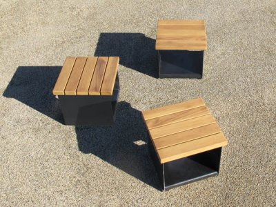 Hollo small cubes seating & table surfaces arrangement