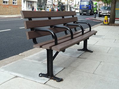 LAM 642 BP Lambeth seat with brown recycled plastic slats (2 legs, 4 arms)