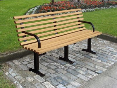 LAM 623 BP Lambeth seat with iroko timber slats (3 legs, 2 end arms)
