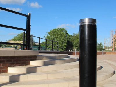 LNB 100 Linx Kenton satin polished cap bollard shown with Linx 400 3-rail, with satin polished Kenton cap.