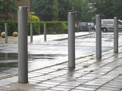 LNB 100 galvanised steel bollard with stainless steel kenton cap