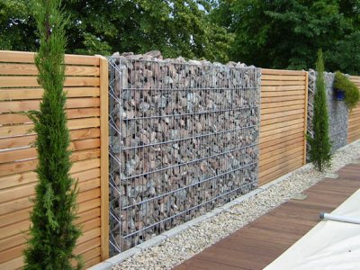 Pergone site division walls and fences