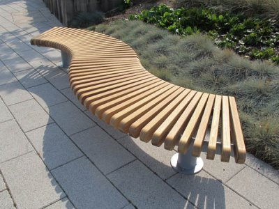RailRoad Loop  bench assembly comprising curved Start & End modules in waveform layout.
