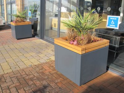 RailRoad planter units