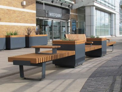 RailRoad RRP2T 7070/72 freestanding 700mm square planters in mid-position of straight seating