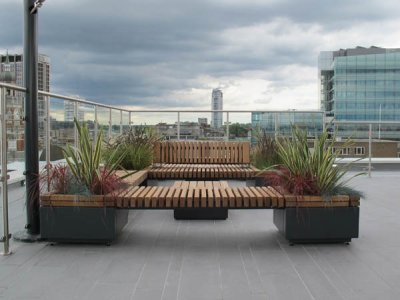 RailRoad RP2T 7070/47 freestanding 700mm square planters and 1400 x 700mm planters with bridge seating platforms.