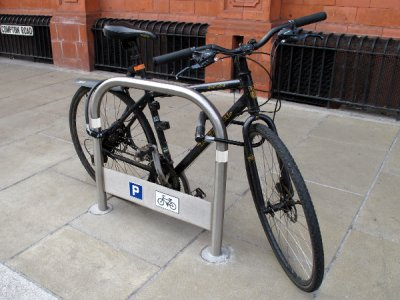 TRL600 S WHT Transport stainless steel cycle stand