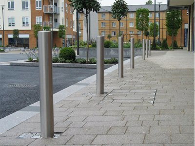 ZEN701R Zenith satin polished removable stainless steel bollards in F1 socket