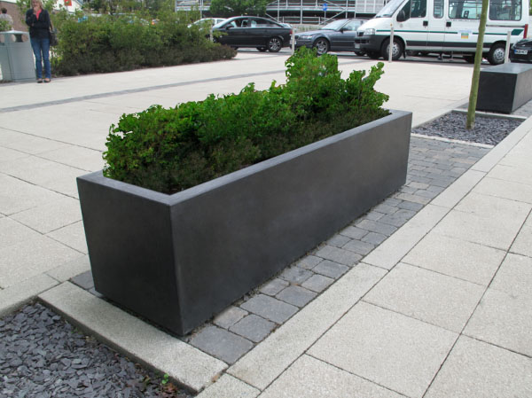 Blyth robust large outdoor concrete planters range uk Concrete planters