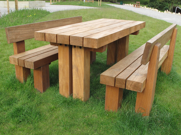 Cheshunt Timber Picnic Benches Table - Timber picnic table
