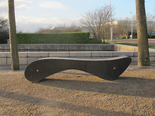 how to build a curved concrete bench
