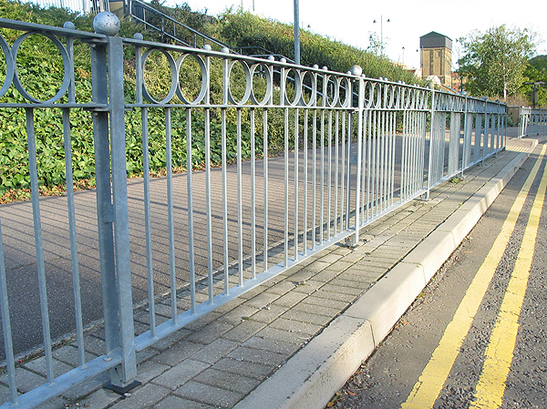 Okr All Steel Railing Posts With High Visibility Guardrail
