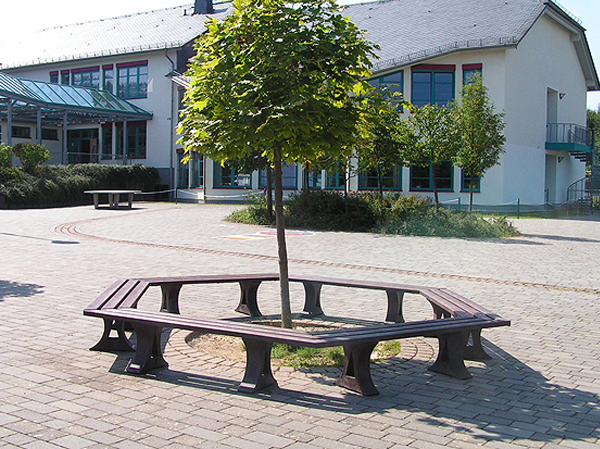 Peb 7 Perth Benches Mitred And Joined To Form Tree Seat Enclosure