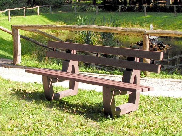 Perth Recycled Plastic Benches & Seats - outdoor spaces